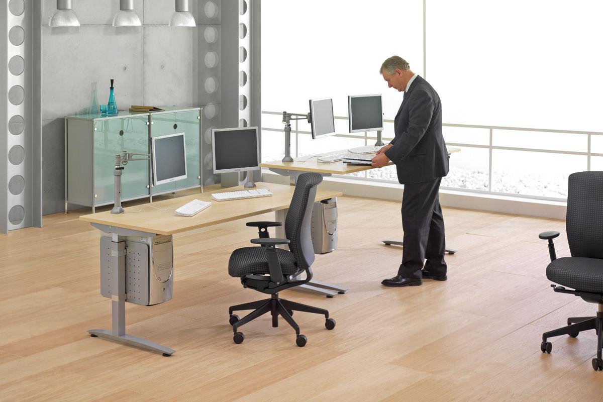 height adjustable office desk. ADJUSTABLE HEIGHT DESKS BREAK THE MONOTONY AT OFFICE Height Adjustable Office Desk
